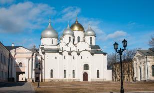 Ректора учебного заведения в Новгороде обвиняют во взятках и растрате