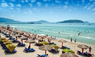 """Курорт в Китае заманивает российских туристов системой """"всё включено"""""""