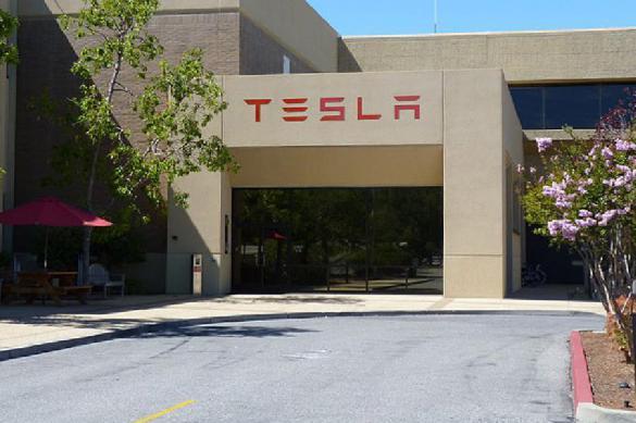 """Tesla отчиталась о том, сколько денег потеряла из-за """"игр с биткоином"""""""