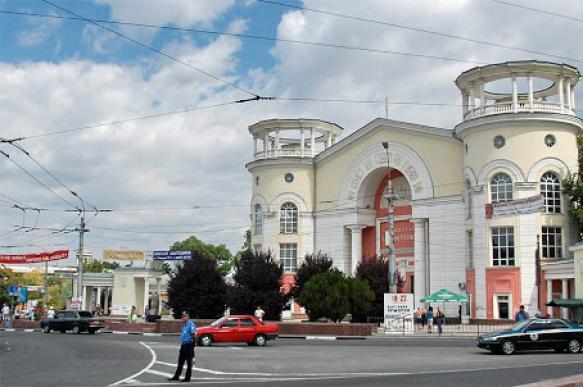 """Кинотеатр """"Симферополь"""" отремонтируют и оставят в собственности города"""
