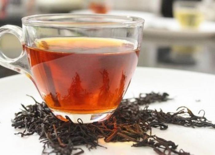 Эндокринолог назвал безопасную для человека дневную норму чая