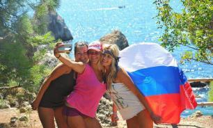Американец перечислил самые странные привычки россиян в путешествиях