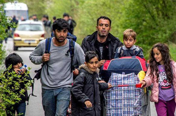 Германия собирается выдворять беженцев за посещение родины