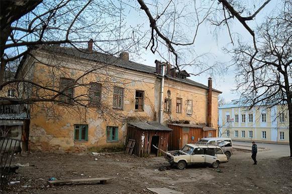 Омск: Труженику тыла отказали в крыше над головой