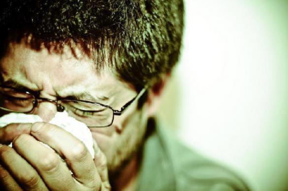 Как распознать коронавирус по первым симптомам, рассказали врачи