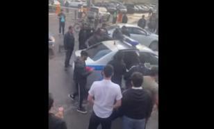 Группа мигрантов напала на полицейских в Москве