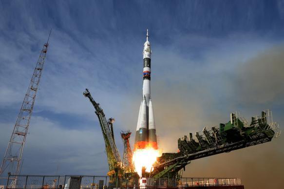 """NASA планирует купить новые места на """"Союзах"""" для полета на МКС"""