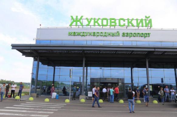 """В аэропорту """"Жуковский"""" начал работать робот-охранник"""