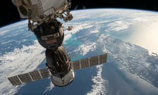 Космонавты на МКС готовятся выпить воду из урины
