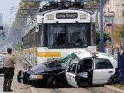 Полицейская машина попала под трамвай в Лос-Анджелесе