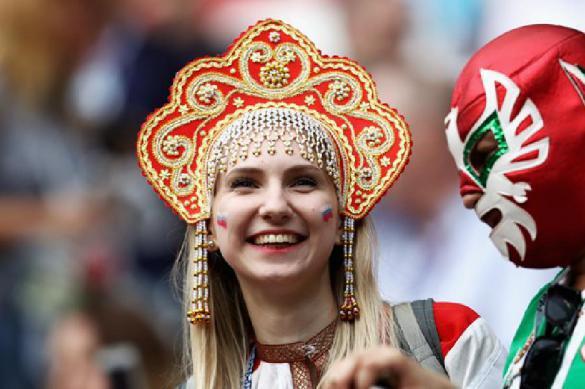 Фанаты и футболисты удивились страху FIFA перед красавицами