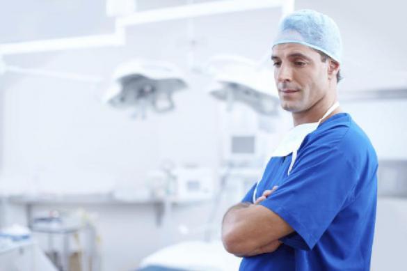 Британским врачам разрешили не лечить расистов и сексистов