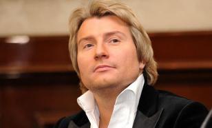 Басков объяснил, зачем залез под юбку Гришаевой