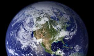 Северный магнитный полюс Земли смещается от Канады к Сибири