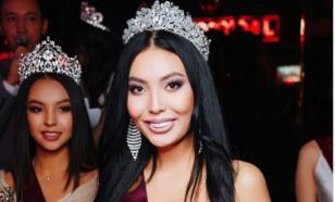 Королева красоты из Казахстана устроилась работать посудомойкой