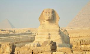 Археологи нашли в Египте статую маленького сфинкса