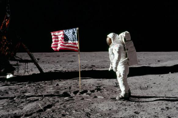 """Лунные войны: США """"забирают"""" космос. Что делать России?"""