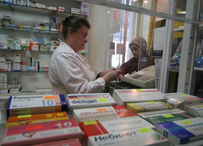 Жириновский: аптеки не могут продавать лекарства против вирусов