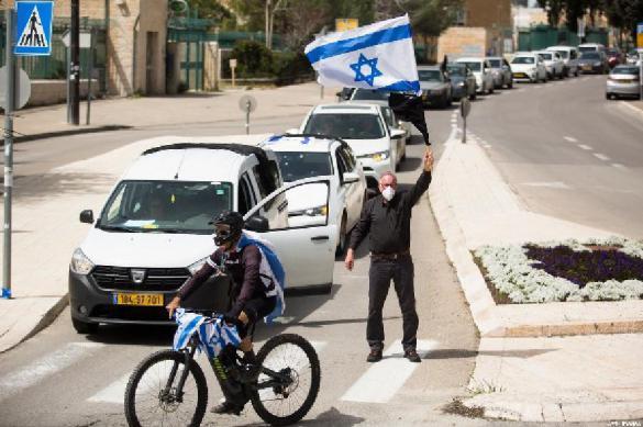 """В Израиле готовятся к """"эффекту домино"""": коронавирусу, кризису, суицидам"""