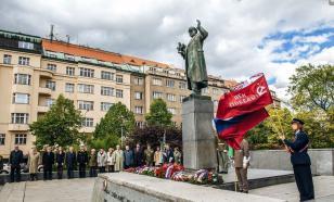 Мария Захарова о памятнике Коневу: наша задача – решить этот вопрос