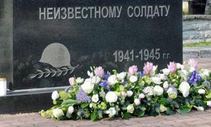Неизвестные разгромили мемориал советским воинам в Берлине