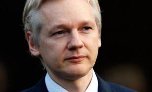 """Американские сенаторы позвали Ассанжа рассказать о """"русском вмешательстве"""""""