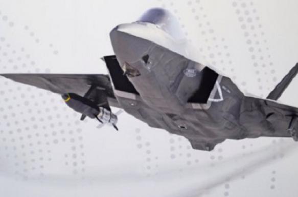 В США показали концепт истребителя F-35C с гиперзвуковой ракетой