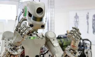 Рогозин заявил, что не имеет отношения к Twitter робота Федора