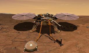 """Марсианский аппарат опять вынужден фиксировать бур """"рукой"""""""