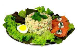 Салат оливье: классический рецепт с перепелками и раковыми шейками