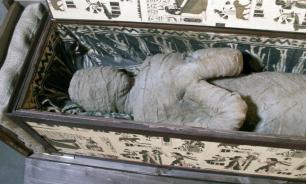 """На юге Египта обнаружили """"путь в загробный мир"""" и пару десятков мумий"""