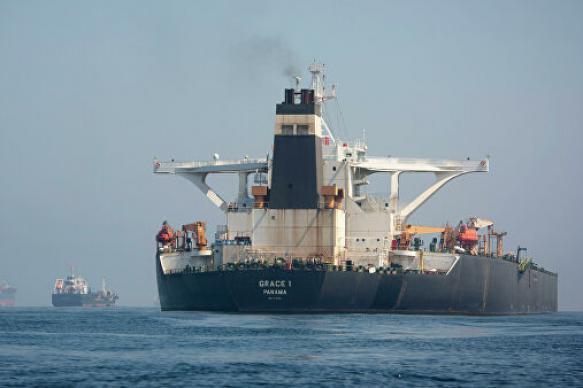 На иранском танкере у побережья Саудовской Аравии произошел взрыв