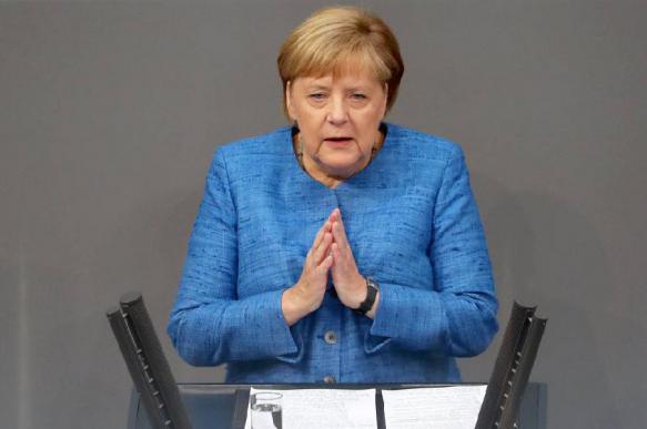 """Меркель: Германия не будет вводить контрсанкции по """"Северному потоку-2"""""""