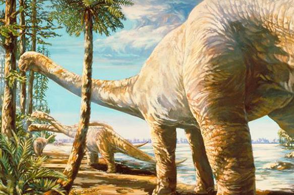 Причиной вымирания динозавров могла стать темнота, а не холод