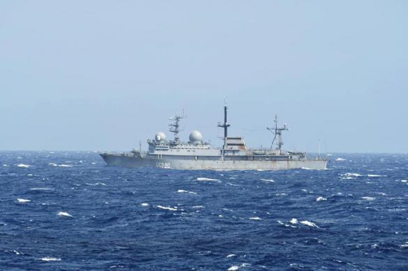 Российский корабль незамеченным подошёл к секретной базе ВМС США
