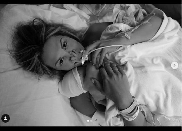 """Звезда сериала """"Кухня"""" Мария Горбань родила ребёнка в США"""