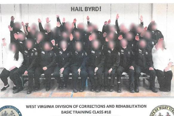 Кадеты в Америке будут уволены за нацистское приветствие