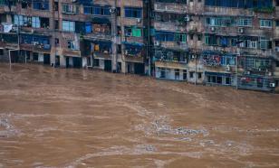 В китайской провинции Хубэй новая напасть - теперь ее затопило