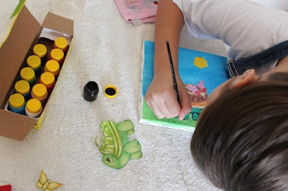 Как образ жизни родителей влияет на развитие олигофрении у ребенка?