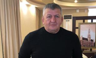 Отец Нурмагомедова перенес инсульт и неделю находился в коме