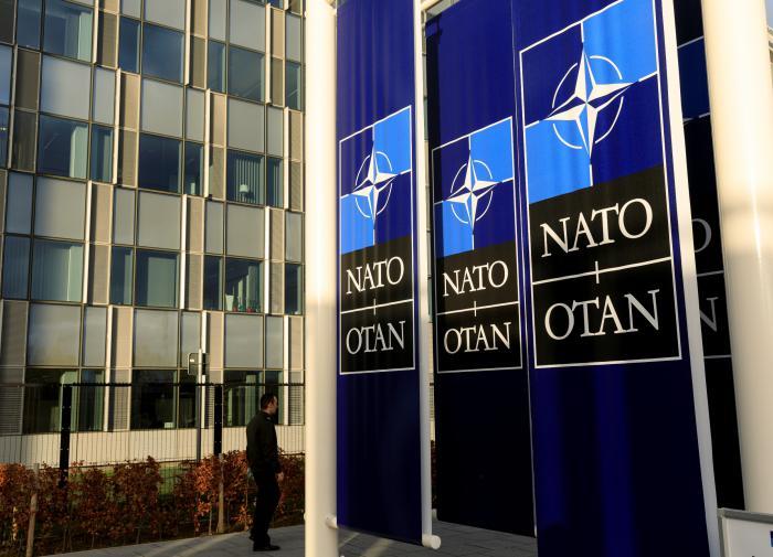 """НАТО адаптируется к """"внешней агрессии"""" России"""