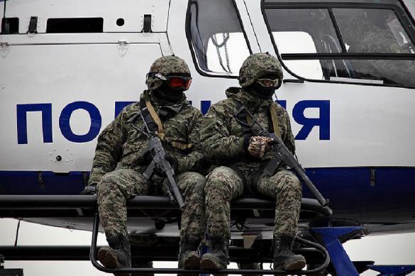 Бойцы спецназа взяли штурмом квартиру нижегородца со схроном оружия