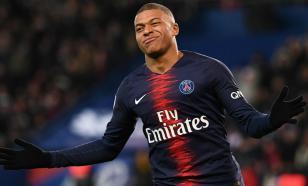 ФИФА планирует запретить футболистам плевки во время матчей