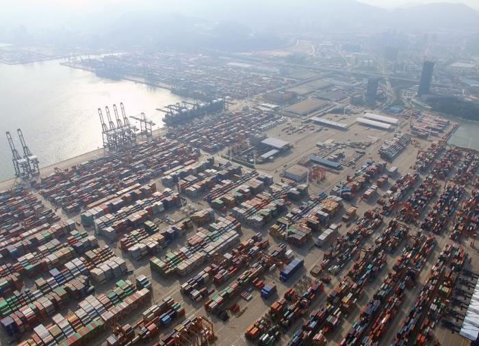 """Великое закрытие: мировая торговля получит мощный """"удар"""" из-за китайского порта"""