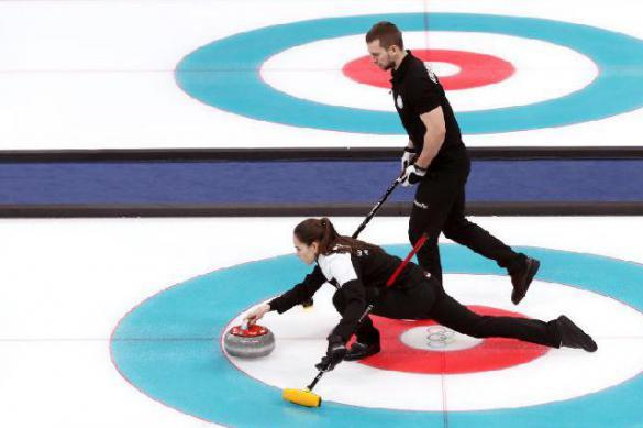 Российские кёрлингисты победили канадцев на чемпионате мира