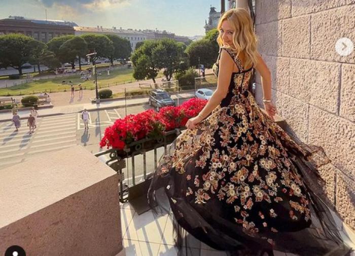 Экс-редактор Vogue не одобрила стиль Рудковской и Миногаровой