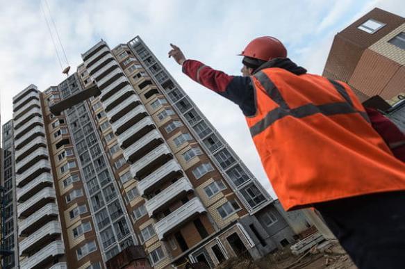 Риски покупателей жилья переложат на застройщиков