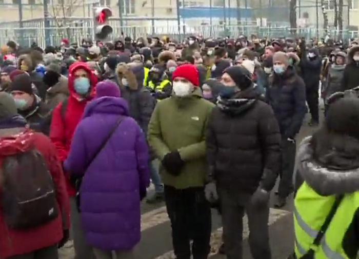 """От """"народного протеста"""" до воззвания к Байдену"""