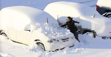 День благодарения: накануне праздника двое детей семь часов провели в снежном завале