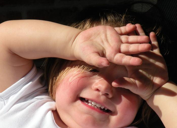 Почему не нужно запрещать детям грызть ногти?